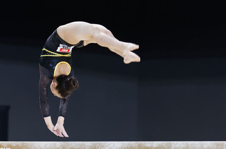 2015_European_Artistic_Gymnastics_Championships_-_Balance_beam_-_Claudia_Fragapane_17